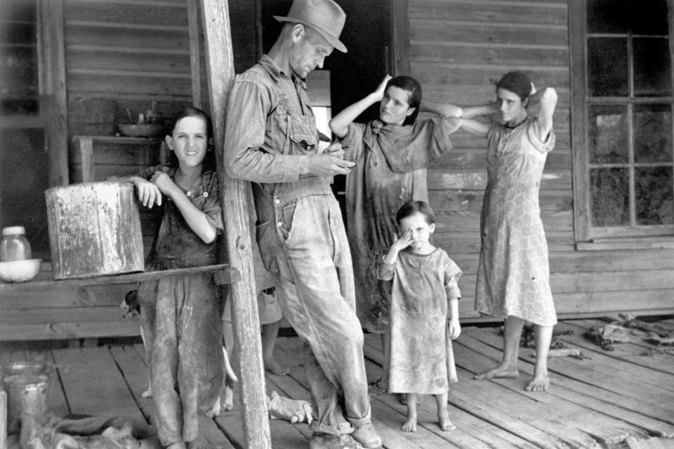 Floyd Burroughs and Tingle Children.  Walker Evans/ Library of Congress