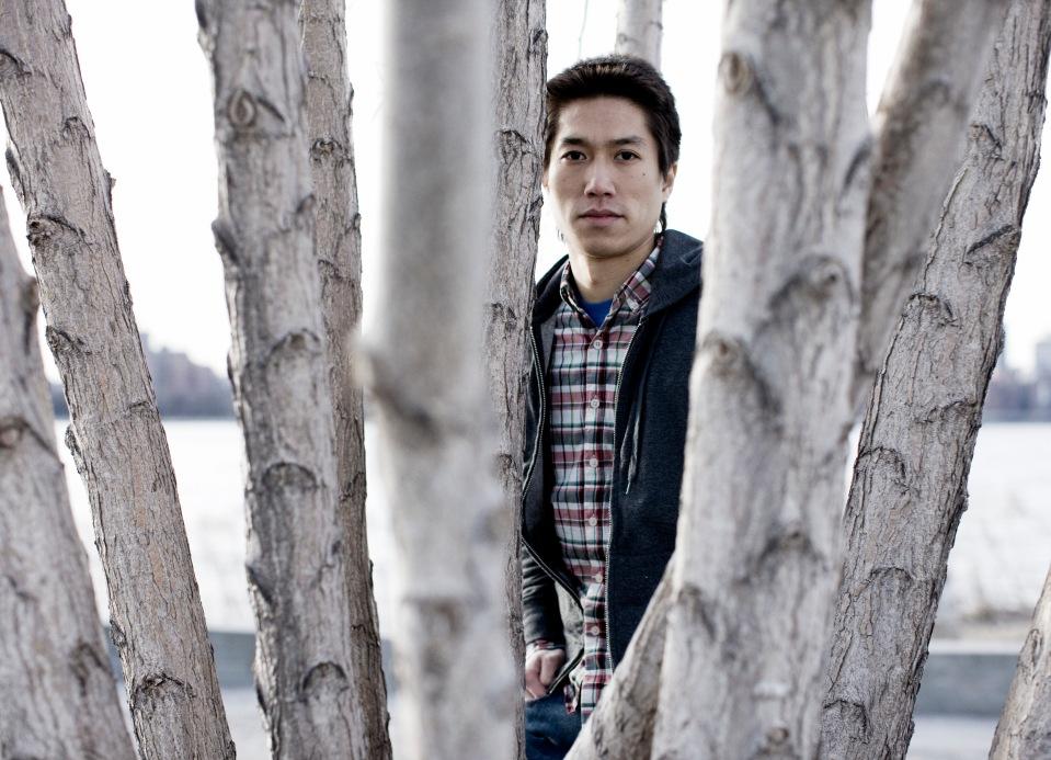 Tao Lin, de 30 anos, fotografado por Noah Kalina